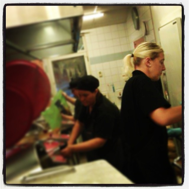 Pastakok på Roslagscupen; 3 dagar, 9 måltider, 2 000 glada fotbollsspelande tjejer och killar